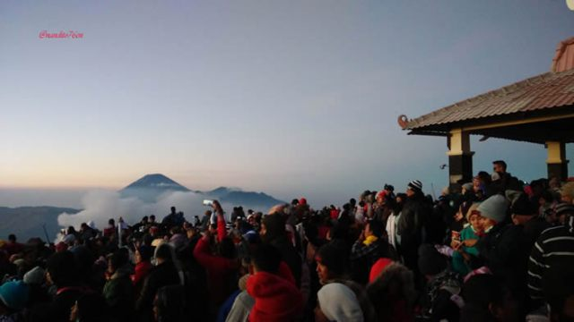 Penanjakan Bromo; Backpacker ke Bromo; bromo Indonesia;sewa jeep di bromo